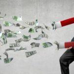 Кто дает деньги безвозмездно